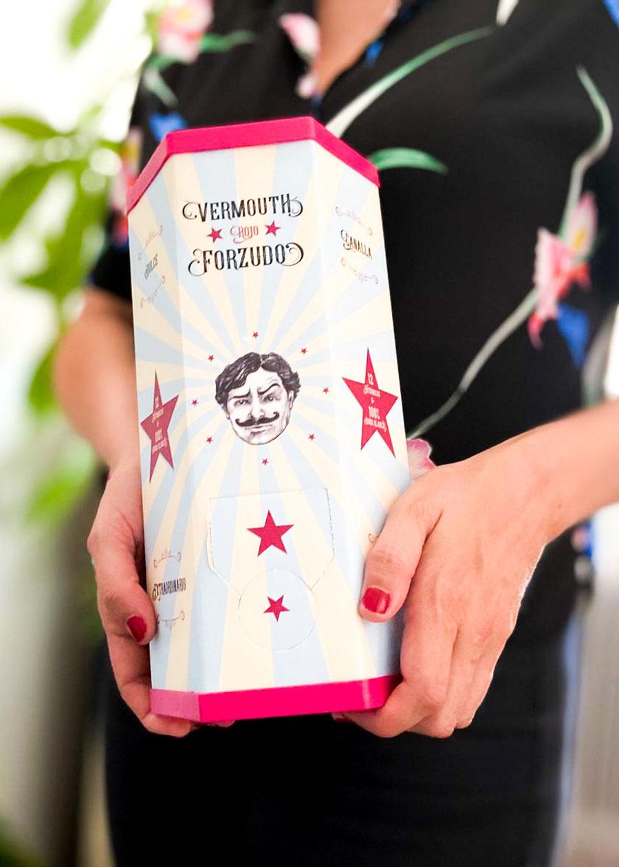 Bag in box de Vermouth Forzudo, diseñado por cdaestudio